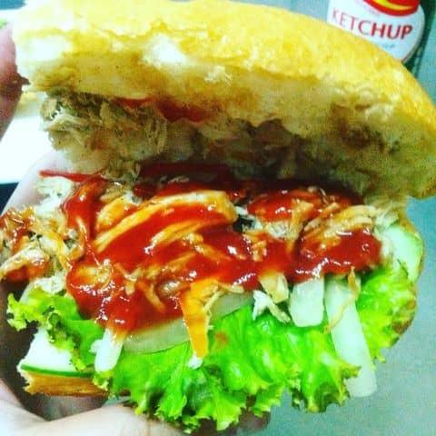 Bánh mì gà xé nước tương - 217061 nhi.hip.9 - Highlands Coffee - Hoàng Đạo Thúy - 17 T1 Hoàng Đạo Thúy, Quận Cầu Giấy, Hà Nội