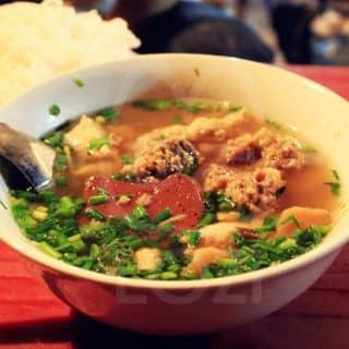"""Vì sao ẩm thực đường phố Hà Nội được mệnh danh là """"ngon nhất Châu Á""""?"""