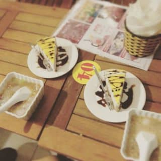 Chè gạo sương sa hạt lựu + bánh kem của krisie tại 1104 Yên Ninh, Thành Phố Yên Bái, Yên Bái - 878326