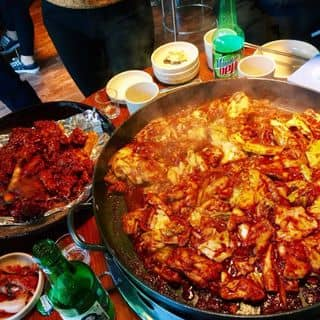 """""""Tụ tập cuối năm"""" ở quán gà rán Hàn Quốc NGON NGẤT NGÂY ở quận Thanh Xuân"""
