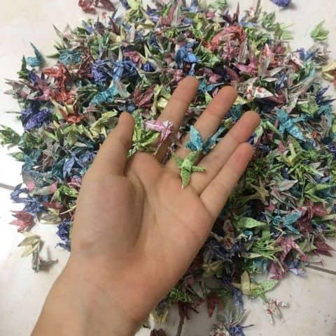 Hơn 1000 con hạc giấy nhỏ