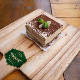 Bồng bềnh chiếc bánh tình yêu Red Velvet cực hấp dẫn trên phố Quán Thánh